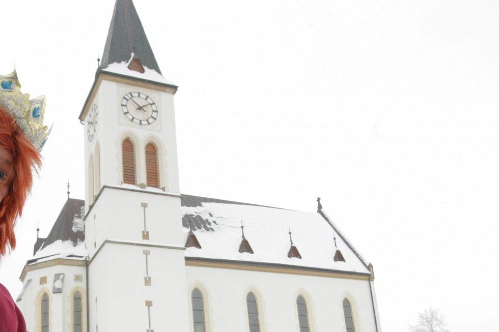 Poznáte místo na fotografii podle kostela?