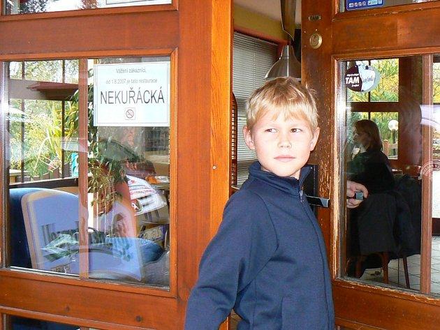 Nekuřáckou restauraci ocení především děti, které nebudou muset vdechovat dým z cigaret.