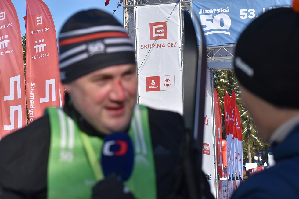 V sobotu v 9 hodin se na bedřichovském stadionu postavili na start účastníci závodu Hervis Jizerská 25 a o patnáct minut později ČT Jizerská 10. Oba závody se jely klasicky.