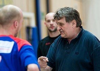 Trenér František Dědeček (vpravo).