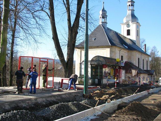 Práce na rekonstrukci tramvajové trati ve Vratislavicích
