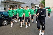 PRVNÍ VÝKLUS. V pondělí zahájil fotbalový klub Baumit Jablonec nad Nisou letní přípravu prvoligového A mužstva patnáctiminutovými výklusy po Kokoníně a Vrkoslavicích.