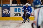 Utkání 8. kola 2. ligy ledního hokeje skupiny Západ se odehrálo 7. října na zimním stadionu v Jablonci nad Nisou. Utkaly se týmy HC Vlci Jablonec nad Nisou a HC Řistuy. Na snímku je Vojtěch Havlas.
