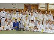 Všem členům Judo Klubu Jablonec trenéři poděkovali za účast v soutěži. Přispěli tak k zisku důležitých bodů a nakonec i k vítězství. A mezi silnou konkurencí si Jablonečtí vedli výborně.