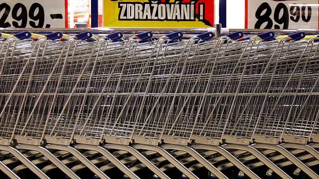 Nákupní košík Deníků. Ilustrační obrázek.