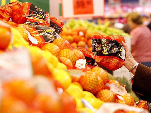 Nákupní košík Deníků - ovoce. Ilustrační obrázek.