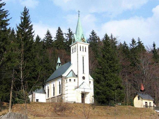 Kostel svatého Antonína v Bedřichově.