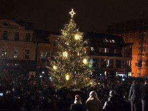 Slavnostní rozsvícení vánočního stromu v Jablonci