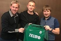 Nová posila Jablonce Andriy Tsurikov (uprostřed).