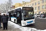 Společnost Umbrella Coach & Buses, dceřiná společnost Umbrella Mobility, představila v Jablonci zánovní autobusy Mercedes Benz, které budou po dva roky vozit cestující po Jablonci a přilehlých obcích.