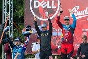 Finále závodu světové série horských kol ve fourcrossu, JBC 4X Revelations, proběhlo 15. července v bikeparku v Jablonci nad Nisou. Na snímku zprava vítěz domácího závodu a zároveň celé letošní série, Tomáš Slavík, Felix Beckeman a Adrien Loron.