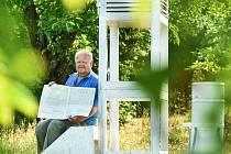 Osmasedmdesátiletý Miroslav Jech obsluhuje meteorologickou stanici v Hejnicích na severním úpatí Jizerských hor už 55 let.