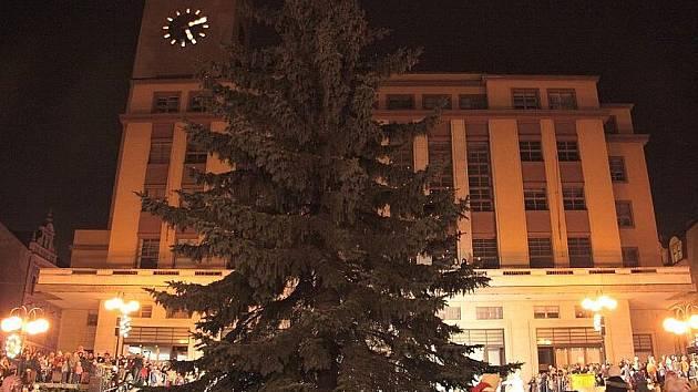 Rozsvěcení vánočního stromu v Jablonci.