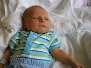 TOBIÁŠ HUDEČEK se narodil 25. července mamince Kateřině Nechanické a Martinu Hudečkovi z Liberce. Měřil 51 cm a vážil 3880 g.