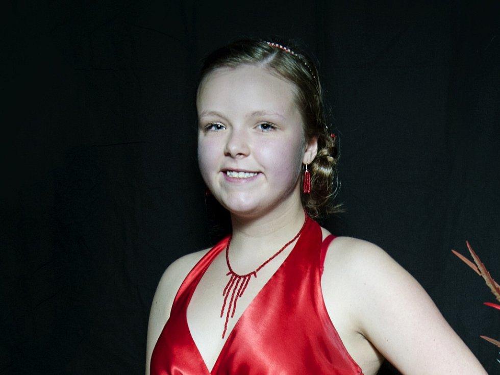 LUCIE NEBESKÁ 16 LET. Soutěžící dívka č. 9 studuje Gymnázium U Balvanu.