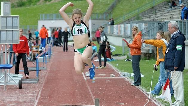 V Liberci proběhlo 2. kolo v I. lize atletiky družstev mužů a žen. K vidění byla řada kvalitních výkonů ze strany mladých nadějí. Na snímku naděje jablonecké atletiky Kristýna Pavlínová při skoku dalekém.