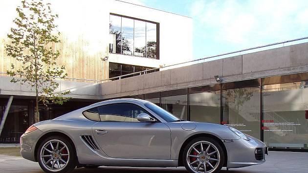 Kulturní centrum VRATISLAVICE 101010 pořádá Den otevřených dveří Památníku Ferdinanda Porsche.