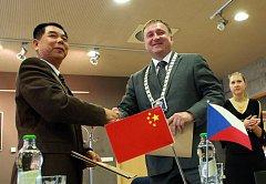 V neděli 14. srpna byla v Jablonci nad Nisou podepsána smlouva o spolupráci s čínským městem Beihai.