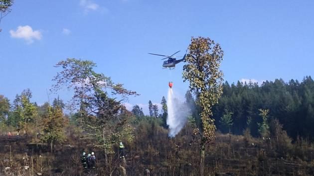 Požár zasáhl i lokalitu Žlábek u Jilemnice