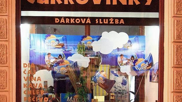 Nákupní košík Deníků - cukrovinky. Ilustrační obrázek.