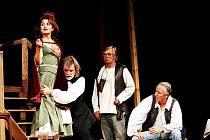 Představení Jakub a jeho pán, které 19. února od 19 hodin zhlédnou návštěvníci Městského divadla v Jablonci nad Nisou.