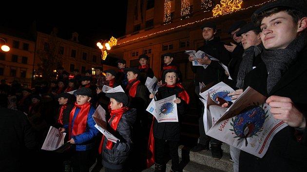 Česko zpívá koledy s Deníkem na Jablonecku 2019