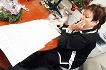 Starostka Zásady Libuše Ducháčková si chtěla na poště v Jablonci 1 nechat zařídit certifikát na službu CzechPoint, nakonec ale odešla s nepořízenou. Pracovnice pošty ji poslaly jinam.