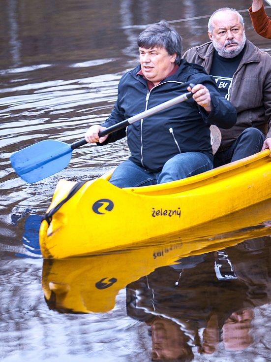 Tradiční zahájení vodácké sezóny na Jizeře v areálu Žluté Plovárny na Malé Skále proběhlo v sobotu 13. dubna od 10 hodin.