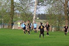 V utkání okresního přeboru II. třídy domácí fotbalisté soupeře s převahou přehráli.