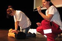 Zásady první pomoci šíří i v Jablonci členové Českého červeného kříže