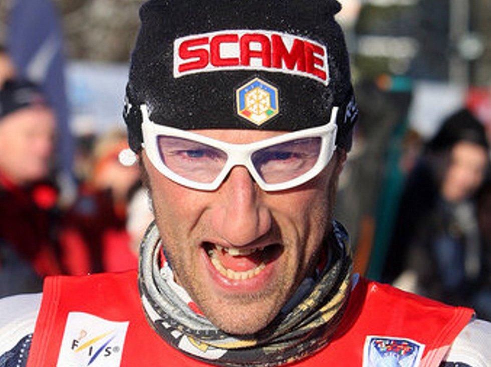 V neděli v devět hodin ráno odstartoval Václav Klaus 42. ročník Jizerské padesátky. Na startu se sešlo přes čtyři tisíce lyžařů, kteří vyrazili za ideálních podmínek do stopy. Na snímku vítěz Ital Marco Cattaneo.