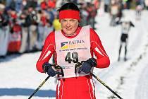 V neděli v devět hodin ráno odstartoval Václav Klaus 42. ročník Jizerské padesátky. Na startu se sešlo přes čtyři tisíce lyžařů, kteří vyrazili za ideálních podmínek do stopy. Na snímku třetí žena v pořadí Zuzana Kocumová z Jablonce.