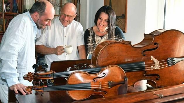 Smetanovo trio hraje aktuálně ve složení Jitka Čechová – klavír, Jan Talich – housle a Jan Páleníček – violoncello, a i v tomto složení se představí na festivalovém koncertu v Lomnici nad Popelkou.