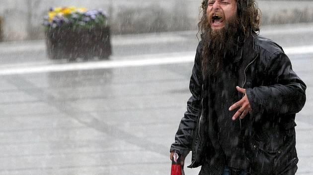 """Proslulá postava Jablonce nad Nisou. Bezdomovci lidé říkají """"Foukin""""."""