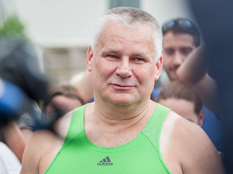 Jiří Kajínek, odsouzený vrah, míří 23. května po 23 letech na svobodu z věznice v Rýnovicích v Jablonci nad Nisou díky milosti, kterou mu udělil prezident Miloš Zeman.