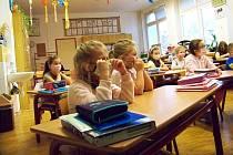 Jablonecké děti se vrátily do lavic prvních a druhých tříd