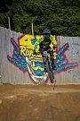 Kvalifikace závodu světové série horských kol ve fourcrossu, JBC 4X Revelations, proběhla 14. července v bikeparku v Jablonci nad Nisou. Finále se koná 15. července. Na snímku je Charles Currie.