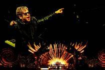 Inovativní a emocionálně působivé koncertní představení The Million Dollar Piano bylo dosud uváděno výhradně naživo v koncertní síni Koloseum v Caesarově paláci v Las Vegas, ale díky filmovému záznamu jej poprvé uvidí fanoušci i v kinech po celém světě.