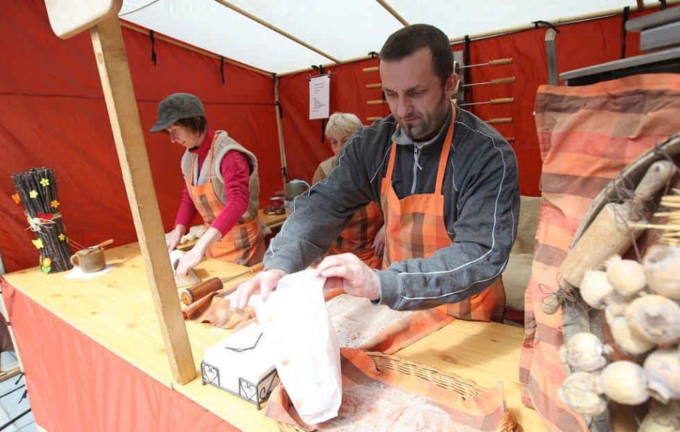 V centru Jablonce jsou opět tradiční Velikonoční trhy.