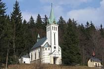 Kostel sv. Antonína v Bedřichově.