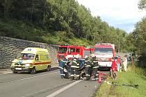 V pondělí 23. srpna krátce před 18. hodinou došlo k dopravní nehodě na hlavním tahu z Jablonce na Prahu u Rychnova. Čelně se střetly osobní automobily Škoda Fabia a Peugeot 206. Druhou zraněnou osobu museli hasiči z vozu vystříhat.