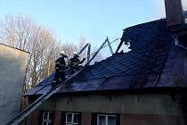 Ve Smržovce v úterý odpoledne hořel dům.