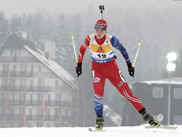 Gabriela Soukalová na trati IBU Cupu v Novém Městě.