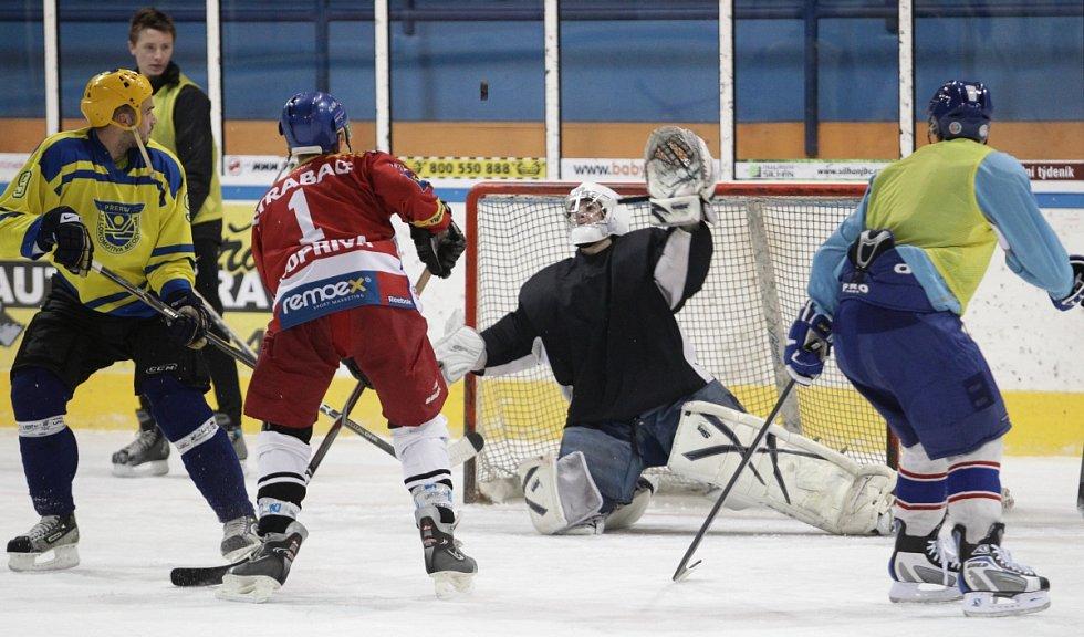 Fotbalisté Baumitu si zahráli hokej.