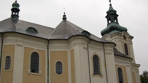 Shánění financí na opravy kostela sv. Archanděla Michaela  se zabývá nejen církev, ale i město Smržovka a občanské sdružení Michael. Do dnešního dne ve veřejné sbírce sdružení vybralo více než osmdesát tisíc korun.