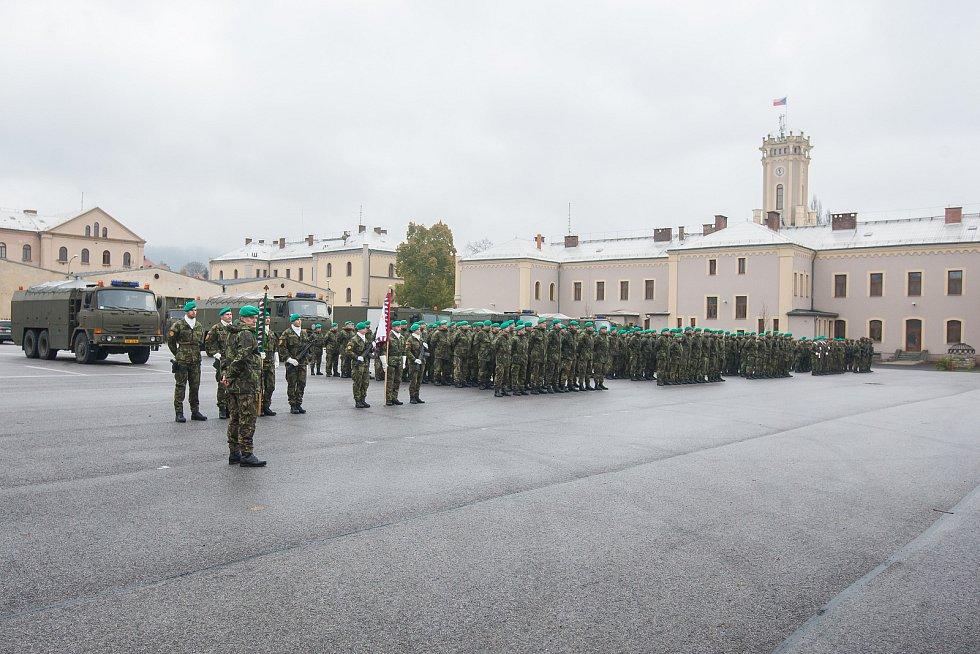 Příslušníci 31. pluku radiační, chemické a biologické ochrany z Liberce uctili 10. listopadu u příležitosti Dne válečných veteránů památku padlých kolegů.