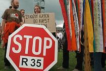 Dostavba silnice R 35.