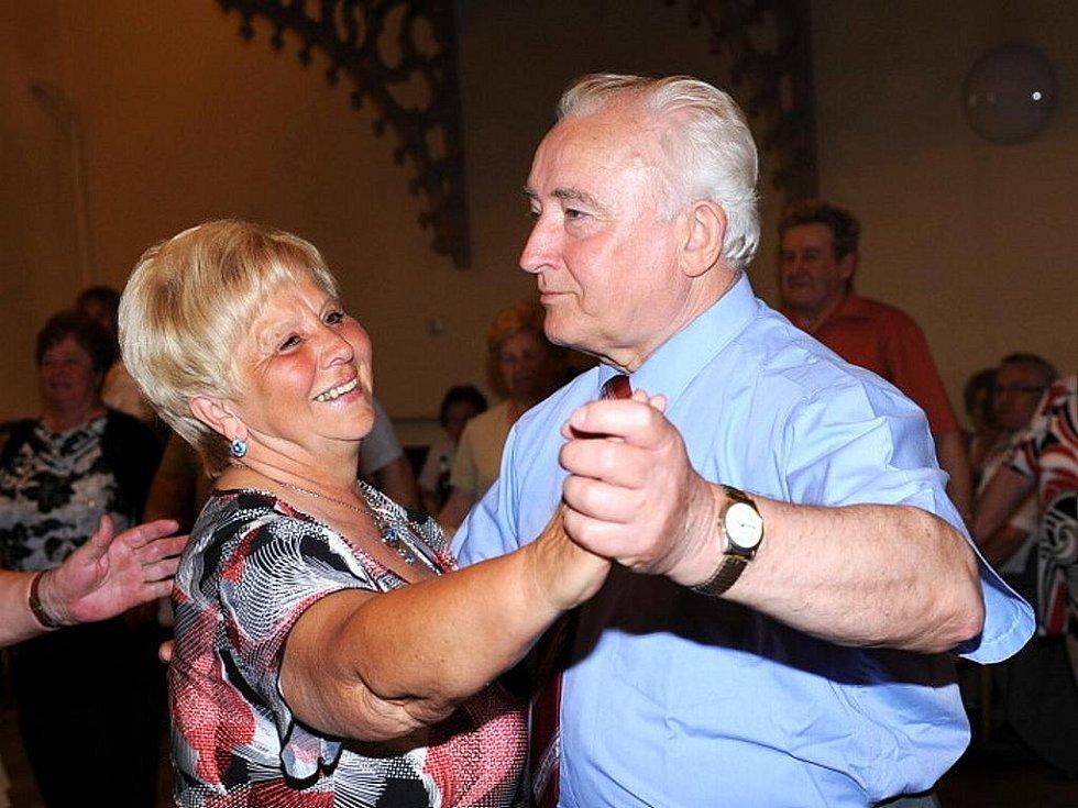 Společenský tanec. Ilustrační snímek.