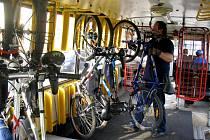 Cyklobus má kapacitu 23 míst.