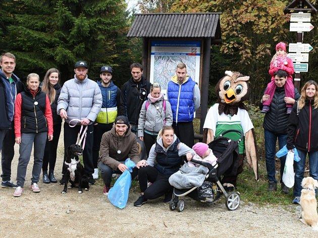Ukliďme Jizerky se účastnili i jablonečtí fotbalisté